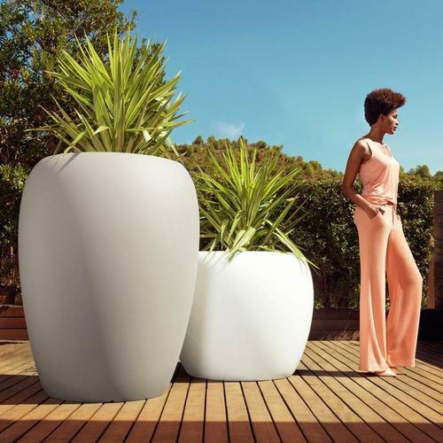 macetero-de-terraza-y-jardin-vondom-maceta-blanca-28854371z0-16082567