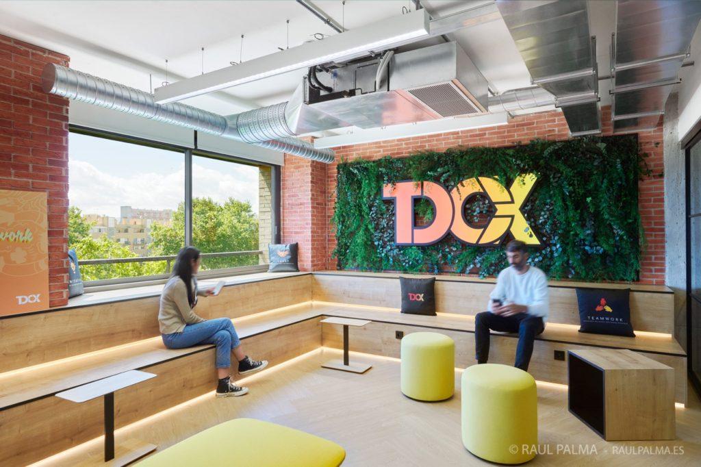 jardin-vertical-barcelona-oficinas-tdcx